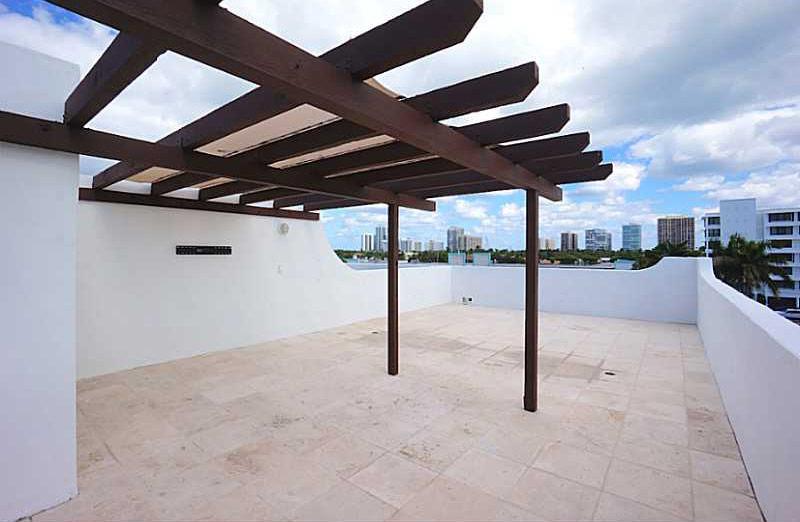huge rooftop terrace, bay harbor island rental