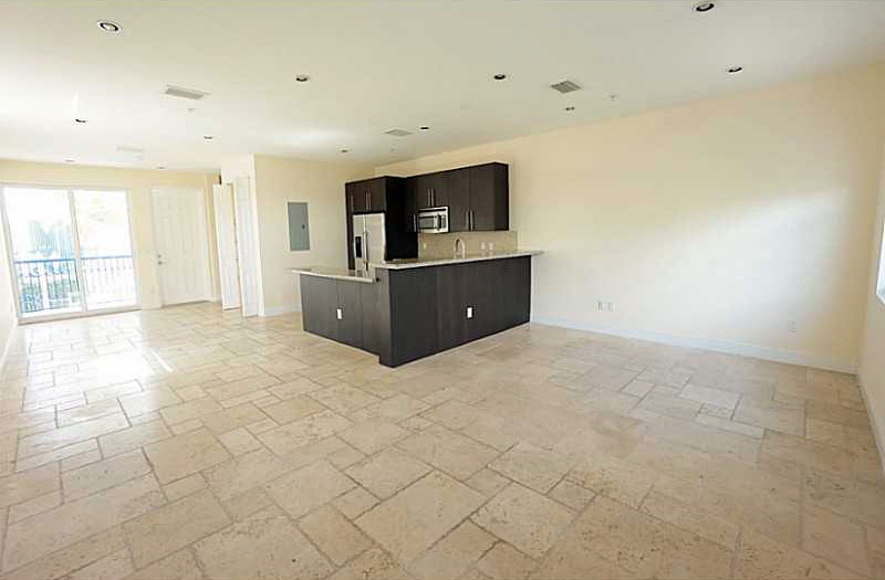 Rental: Lotos Luxury townhomes