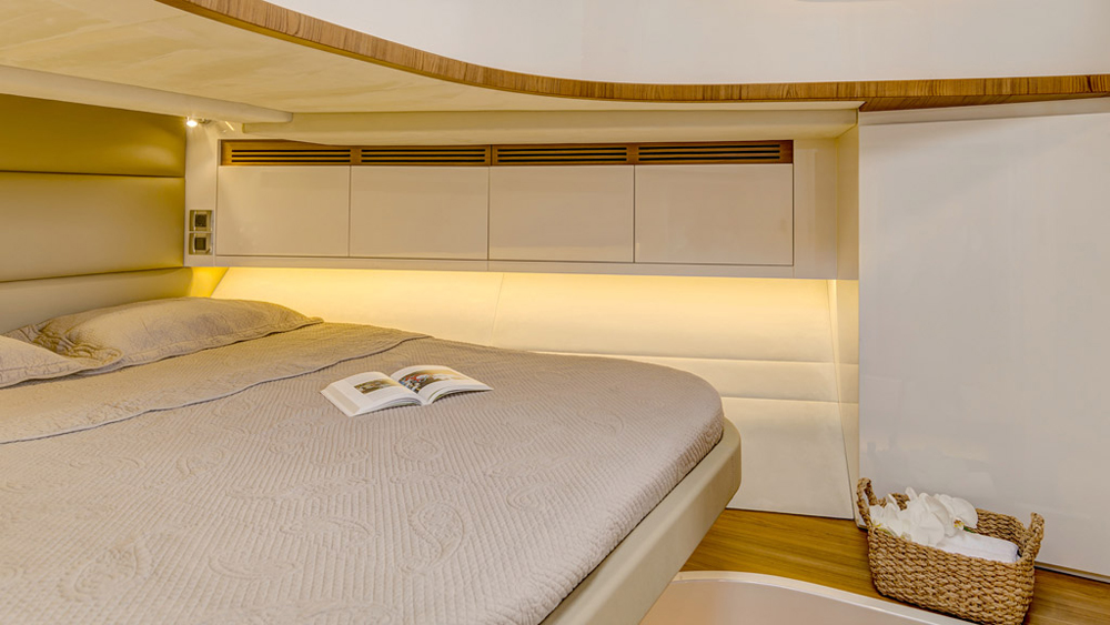 Master bed on the Alen 55