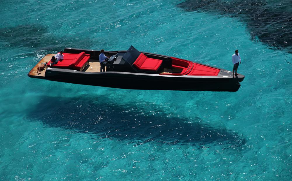 Maori Yacht 50, custom metallic pain