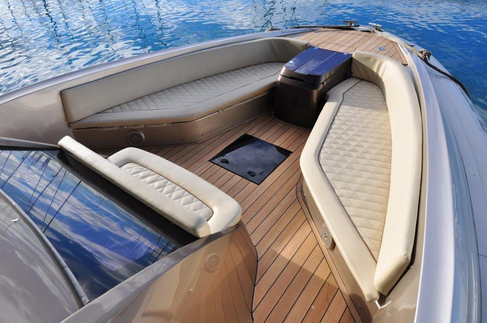 Forward seating on the Strider 18 by SACS marine