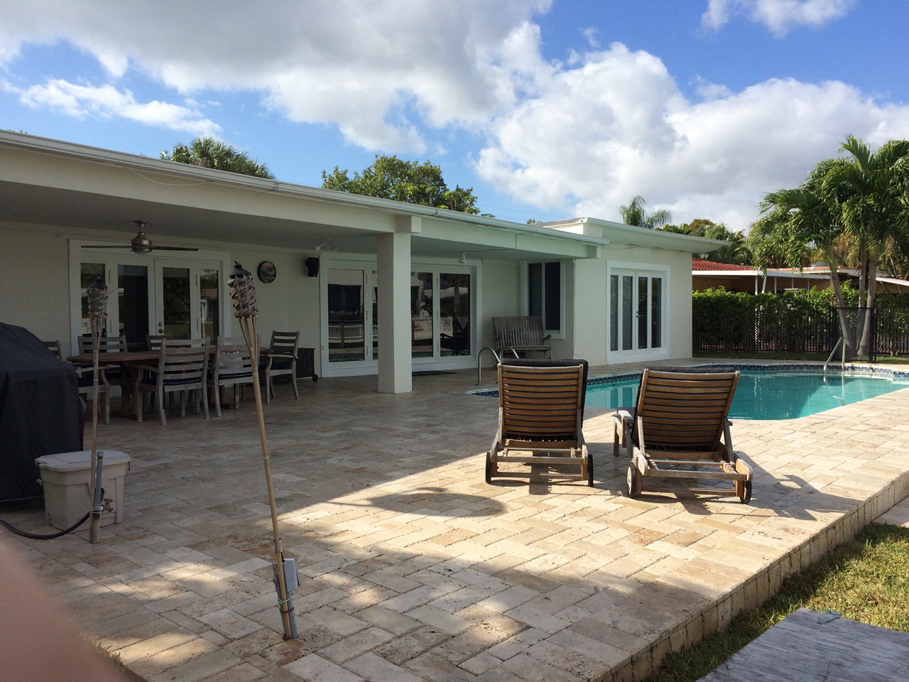 Outdoor entertainment area in the miami home for sale