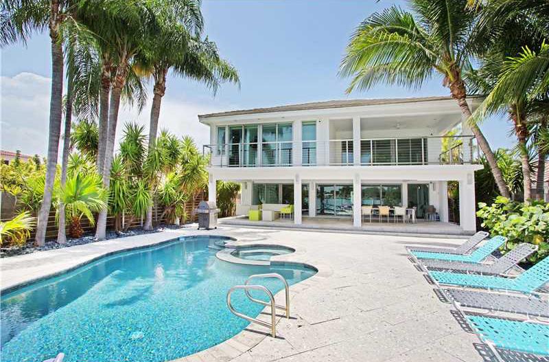 Spacious Miami waterfront villa for sale